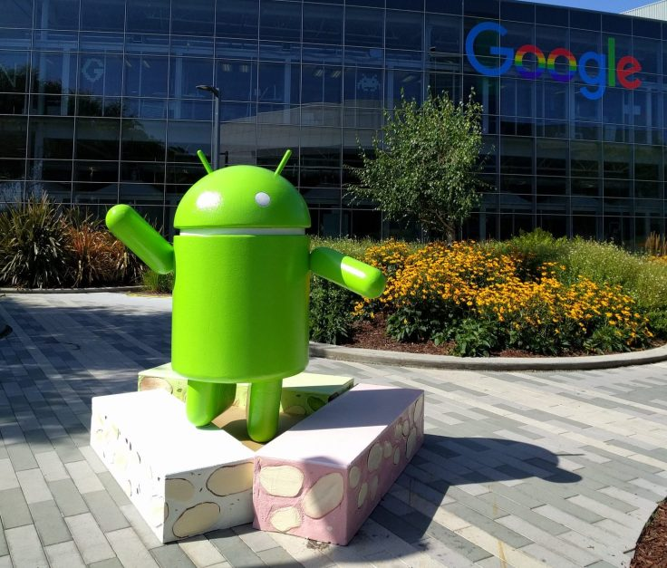 Android-Nougat-Statue-e1467309087110.jpg