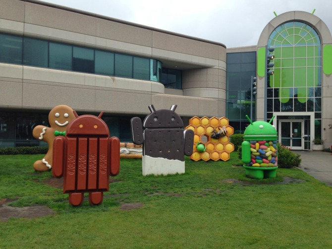 Android-Statues.jpg