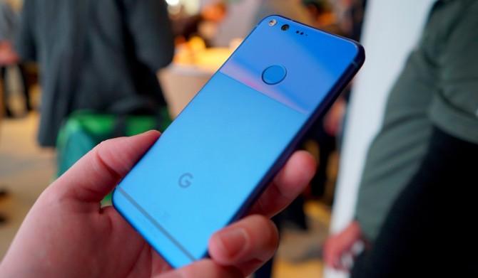 Google-Pixel-really-blue-DSC01229.jpg