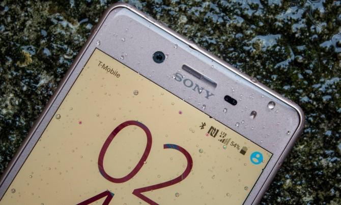 Sony-Xperia-X-Performance-AH-NS-wet-06.jpg