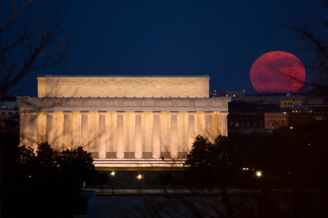supermoon-nasa-photographer-bill-ingalls.jpg